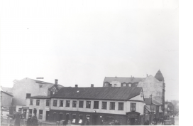Mensa academica eða mötuneyti stúdenta, starfaði í Lækjargötu 2 frá 1921-1929. M
